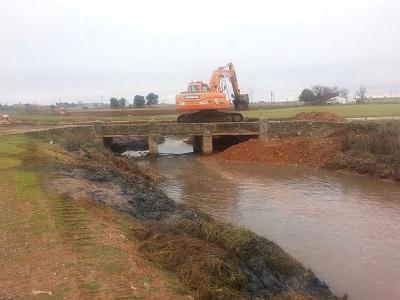 Comienza la construcción del nuevo puente en el camino de Daimiel