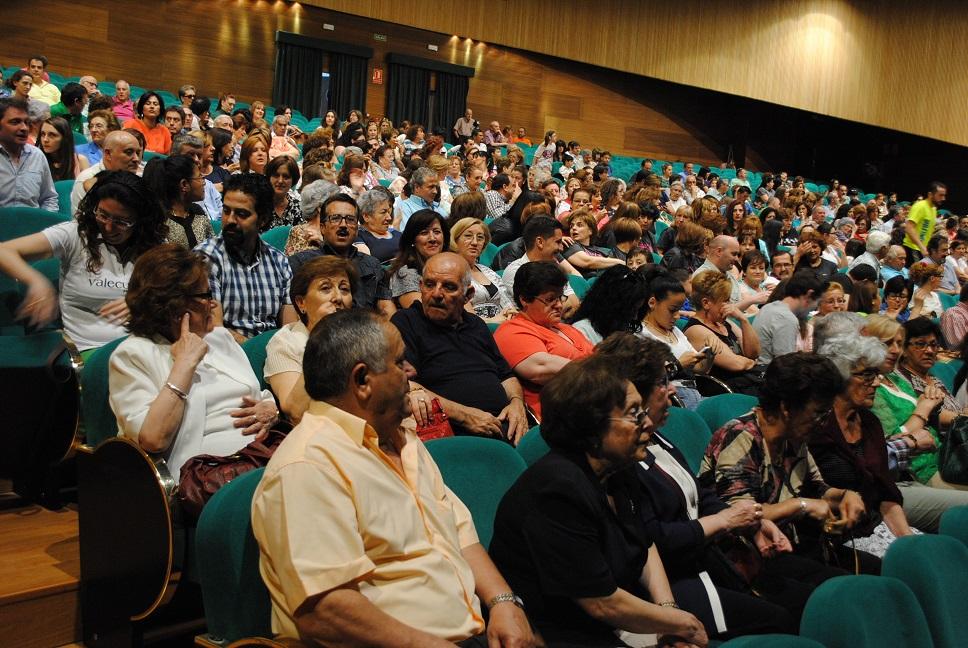 Los alumnos de la XII Universidad Popular de Valdepeñas clausuran el curso por todo lo alto