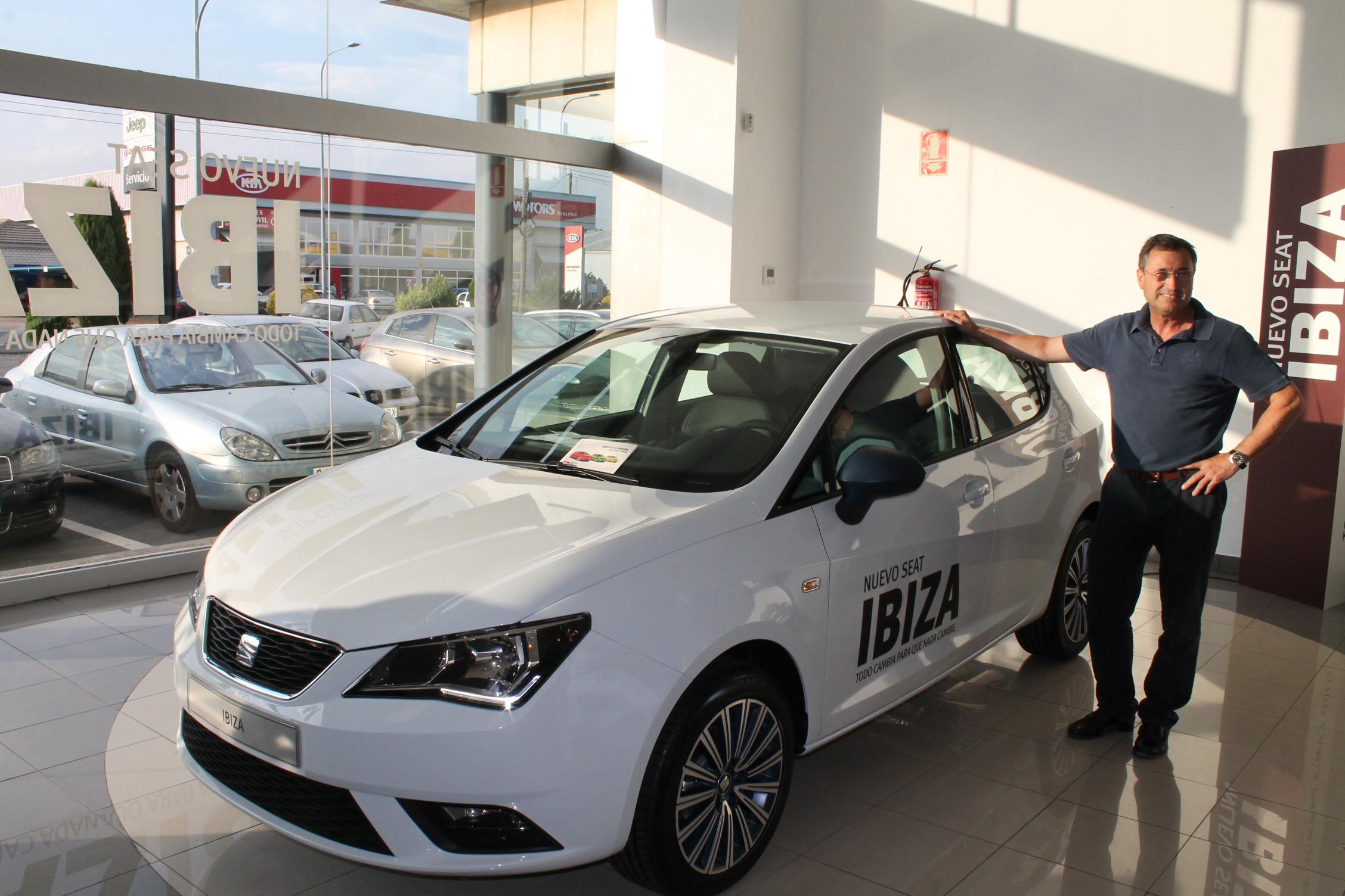 El concesionario Comatur se viste de gala para presentar el nuevo Seat Ibiza 2015