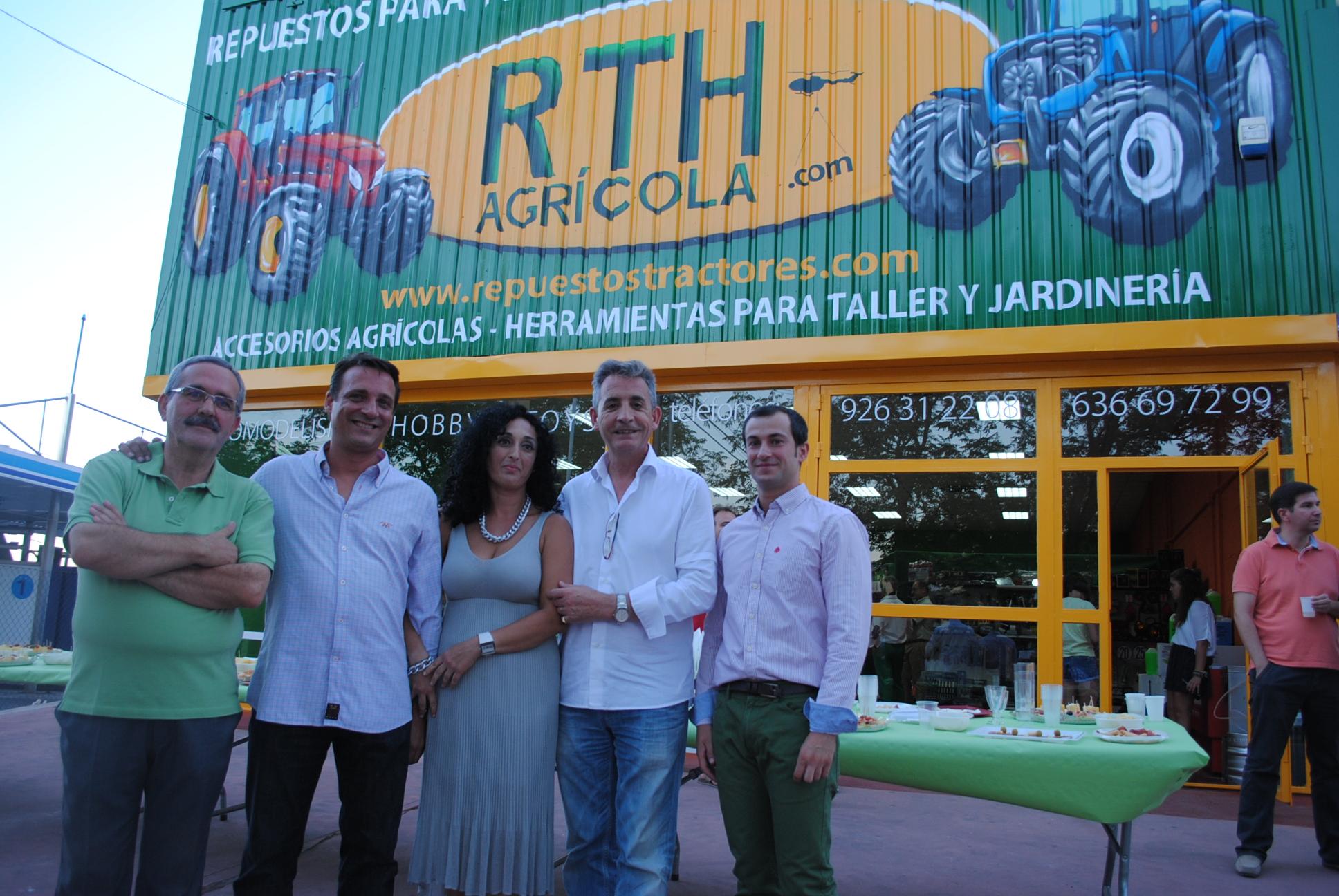 El alcalde asistió a la inauguración de las nuevas instalaciones de la empresa RTH Agrícola