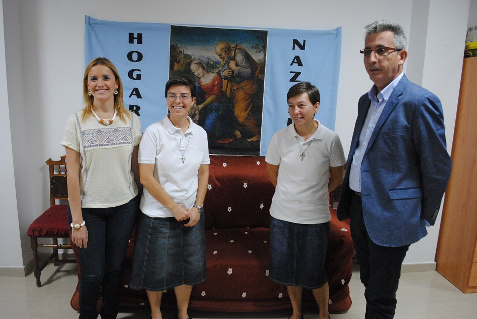 """Jesús Martín agradece la """"generosidad"""" de las hermanas del Hogar de Nazaret de Valdepeñas"""