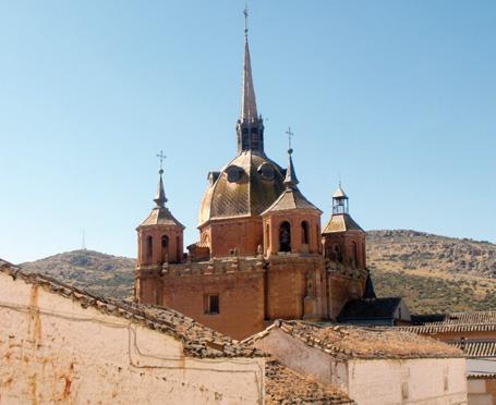 """Iglesia de San Carlos del Valle. El """"Vaticano de La Mancha"""""""
