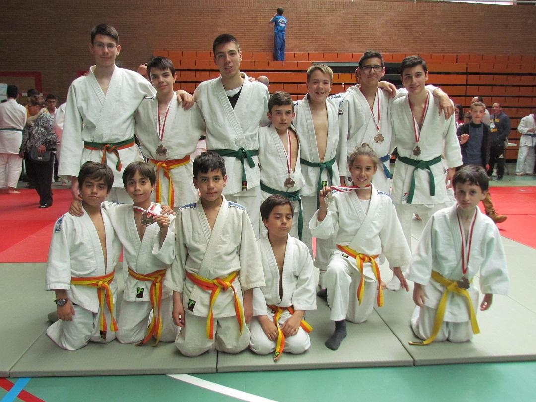Un oro, una plata y siete bronces para la Escuela Municipal de Judo en el campeonato regional de deporte escolar