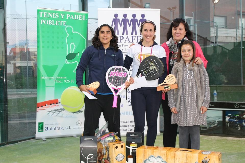 Torneo de pádel en favor de APAFES - Ganadoras femenino