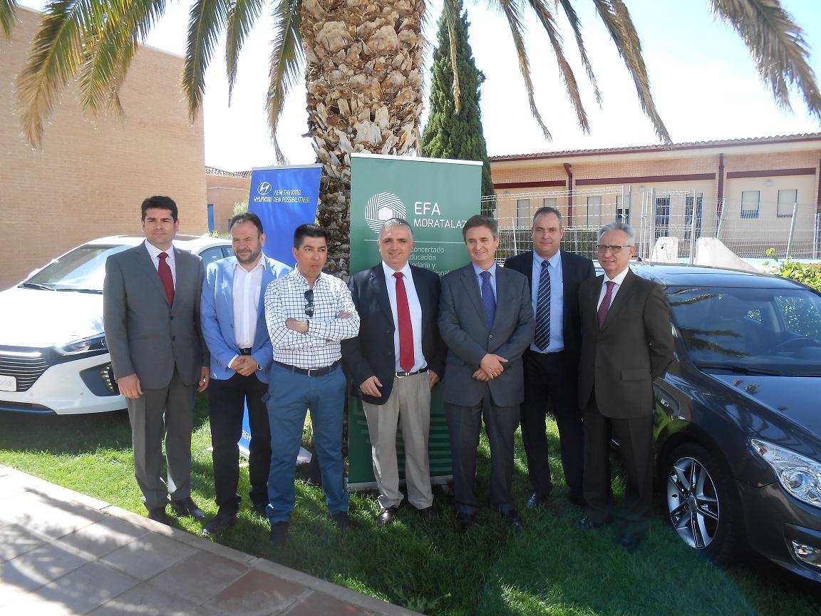 Hyundai dona a EFA Moratalaz de Manzanares un vehículo modelo I30 para la formación profesional de sus alumnos