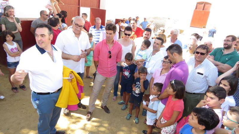 Rubén Pinar comparte la mañana con la afición de Manzanares