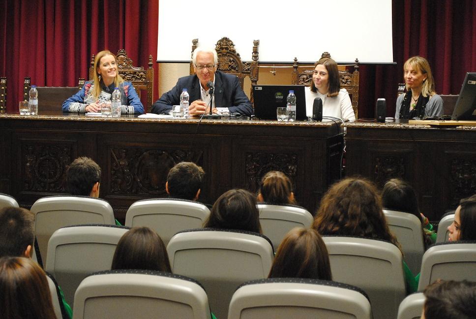 Servicios Sociales de Valdepeñas abordó en una charla los trastornos de la conducta alimentaria