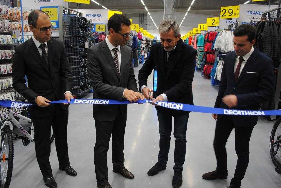Jesús Martín inauguró las instalaciones de Decathlon Valdepeñas