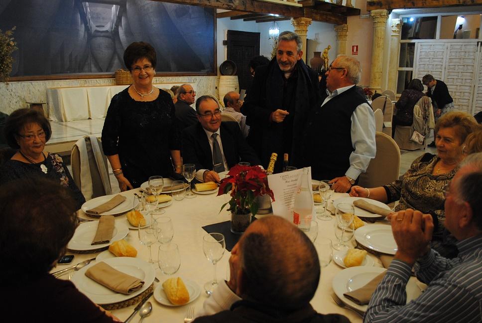 El Centro de Mayores Municipal del Lucero celebró su tradicional comida navideña