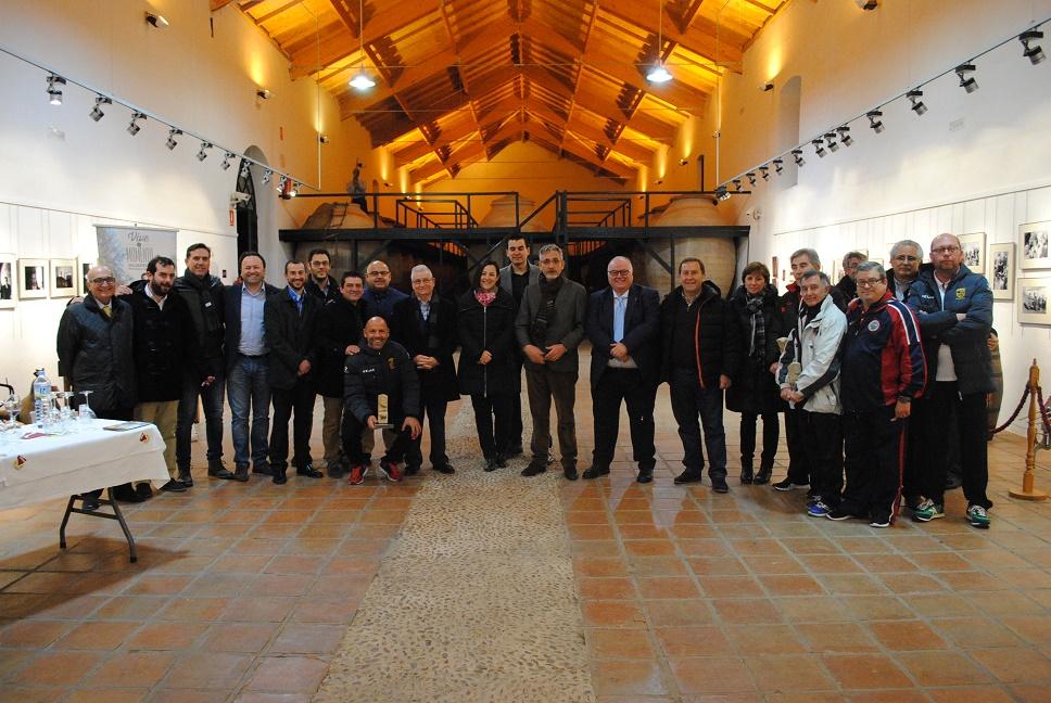 El alcalde de Valdepeñas recibió a las selecciones de la final del Campeonato de España de Fútbol Sala Sub-16