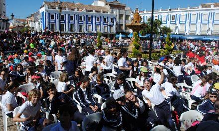 800 escolares de Valdepeñas realizan de manera simultánea un concierto de percusión corporal