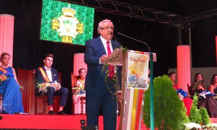 Candi Sevilla invita a recordar los momentos felices vividos en la feria