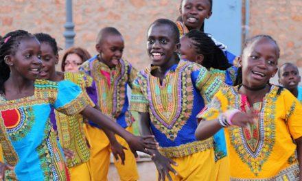 'Coro Safari' voces blancas y rostros angelicales que llegaron al corazón