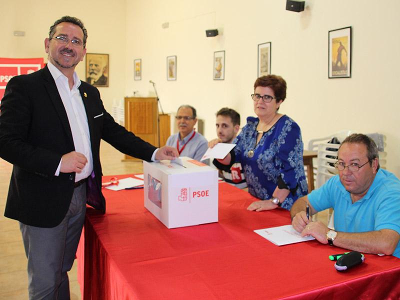 La asamblea del PSOE de La Solana aprobó el acuerdo entre PSOE y Podemos