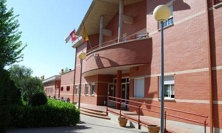 Nieva destaca el compromiso de Page con Manzanares tras anunciar la ampliación de la residencia