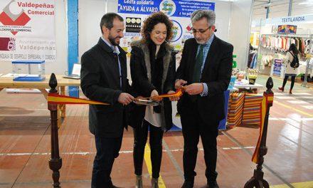 Jesús Martín inauguró la '15ª Feria del Stock' de Valdepeñas