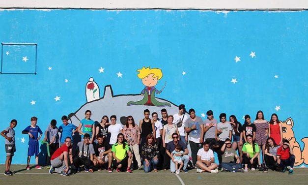 El colegio El Santo estrena un mural gigante elaborado por el programa Empu-G
