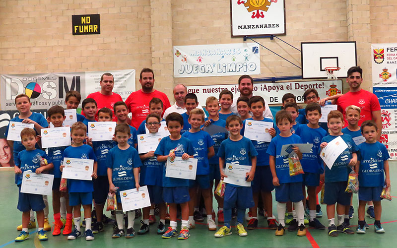 Finaliza con éxito el V Campus 'Ángel Guaita' de fútbol sala en el pabellón Maestro Villatoro