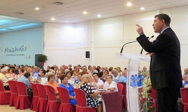 Julián Nieva reafirma su compromiso con los mayores en el acto de homenaje presidido por Emiliano García-Page