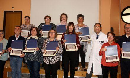 """La Gerencia de Alcázar homenajea a los 17 profesionales que se han jubilado este año """"tras una vida dedicada a la salud de los pacientes"""""""