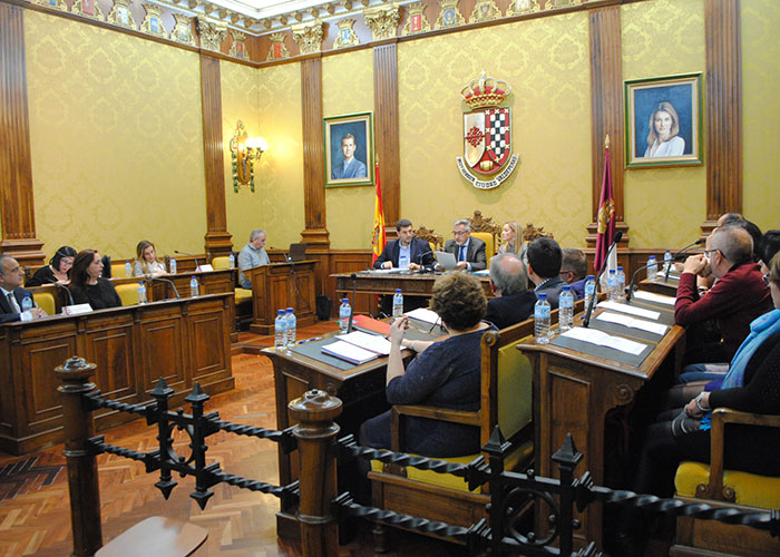 Unanimidad en la cesión de terrenos para aulas modulares permanentes en el IES Bernardo Balbuena