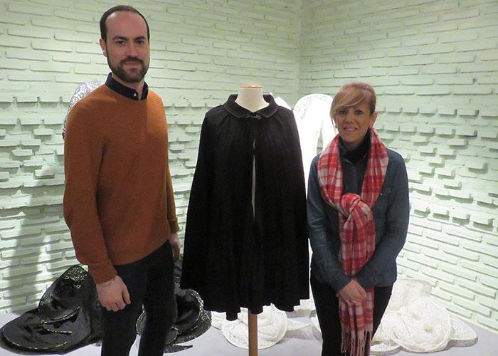 """El Museo Manuel Piña recibe la donación de """"una joya icónica"""" del diseñador"""