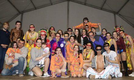 'Los Amigos del Arte' y 'Las Musas' triunfan en el 28º Concurso de Carrozas y Comparsas