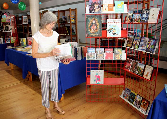 La biblioteca municipal presenta una nueva edición de su guía lectora de verano