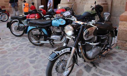Mucho calor y unas setenta máquinas en la XIX Concentración de Motos Clásicas
