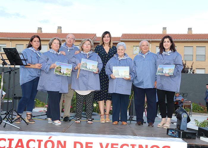 Reconocimiento de la Asociación de Vecinos 'San Blas' al Ayuntamiento de Manzanares por la reforma de la plaza de la calle Cuenca