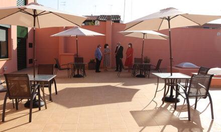 Culminan las obras de remodelación de la terraza de la BPM Lope de Vega