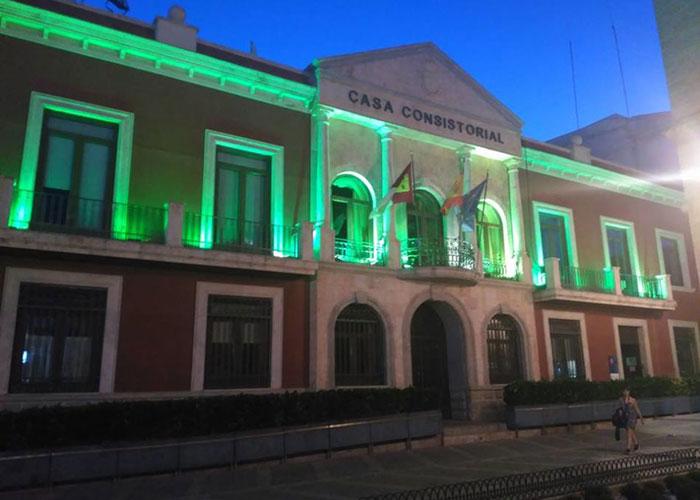 Espacios emblemáticos se iluminan en Valdepeñas con motivo del Día Mundial del Farmacéutico